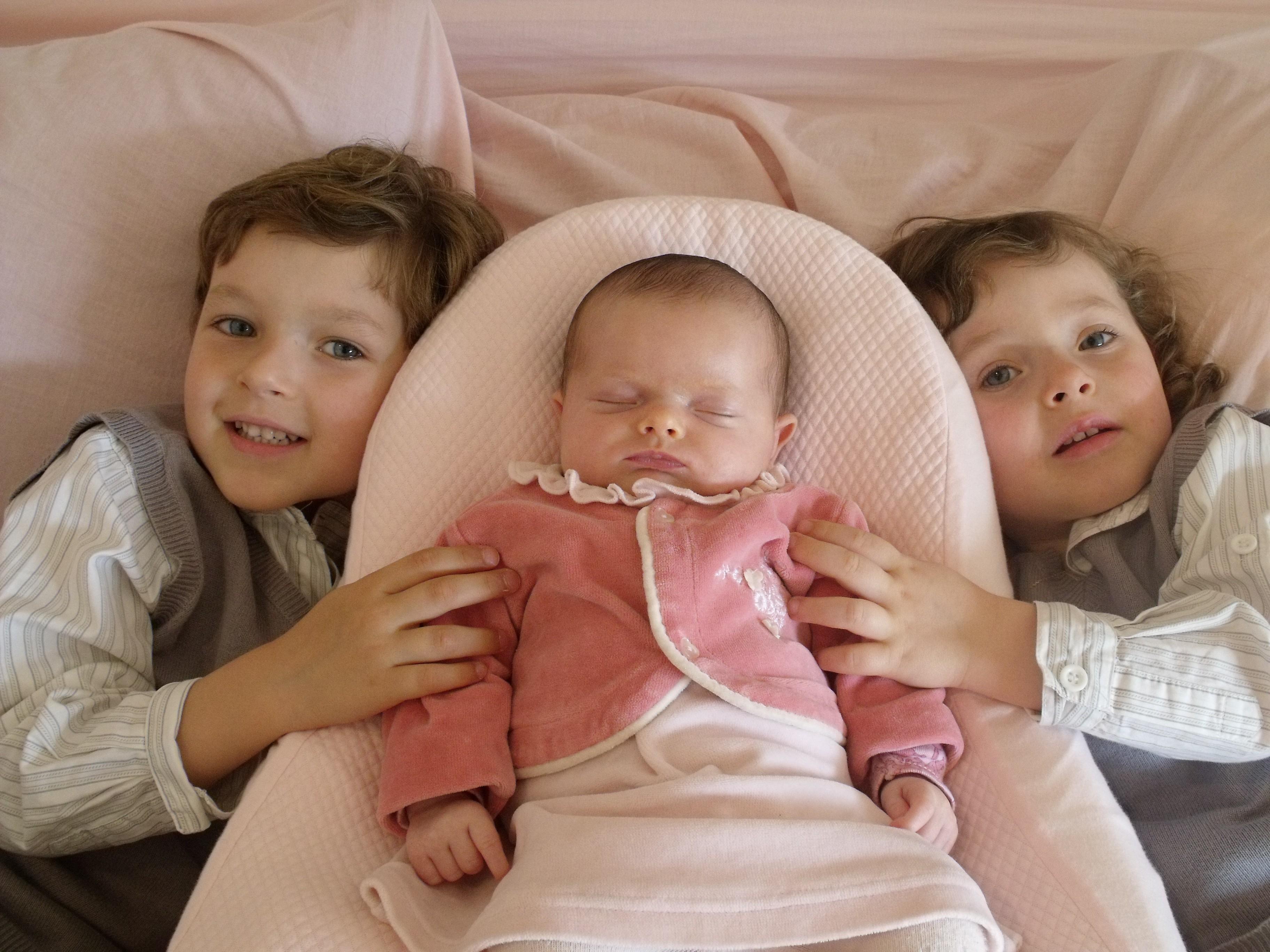 833e53423e9 La solution pour les oreilles décolées de bébé